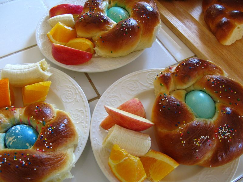 Easter bread 032