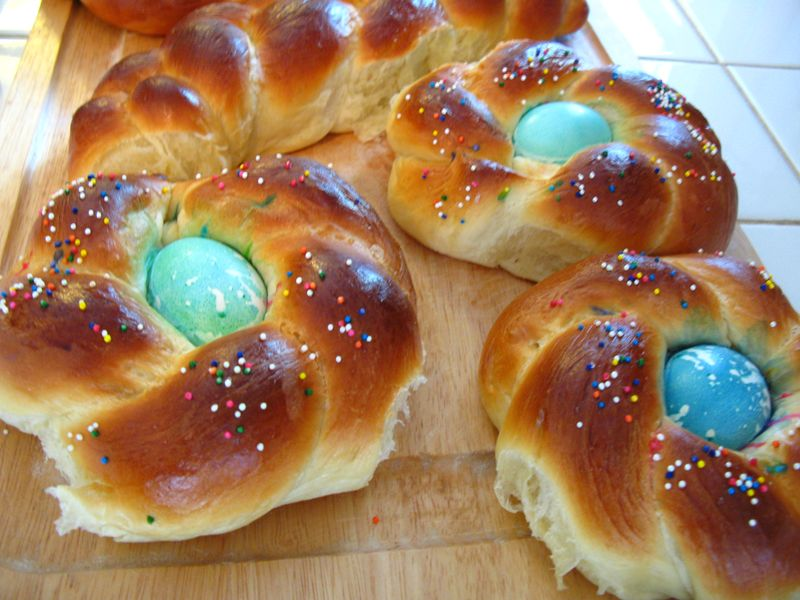Easter bread 030