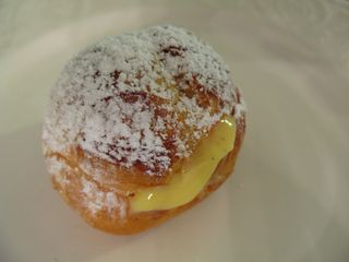 Cream puffs 049